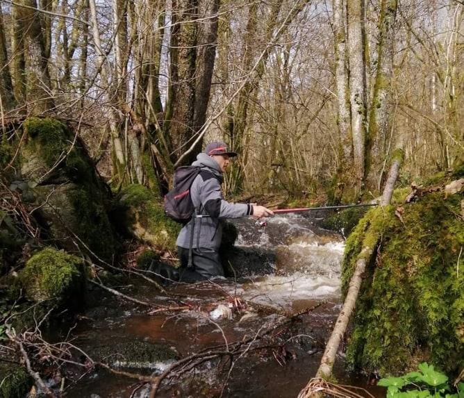pêche en petite rivière