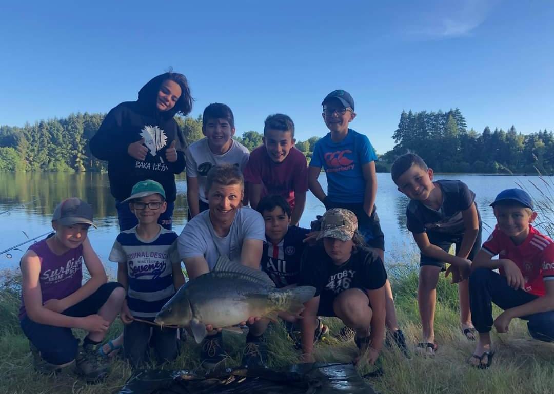 Camp pêche creuse
