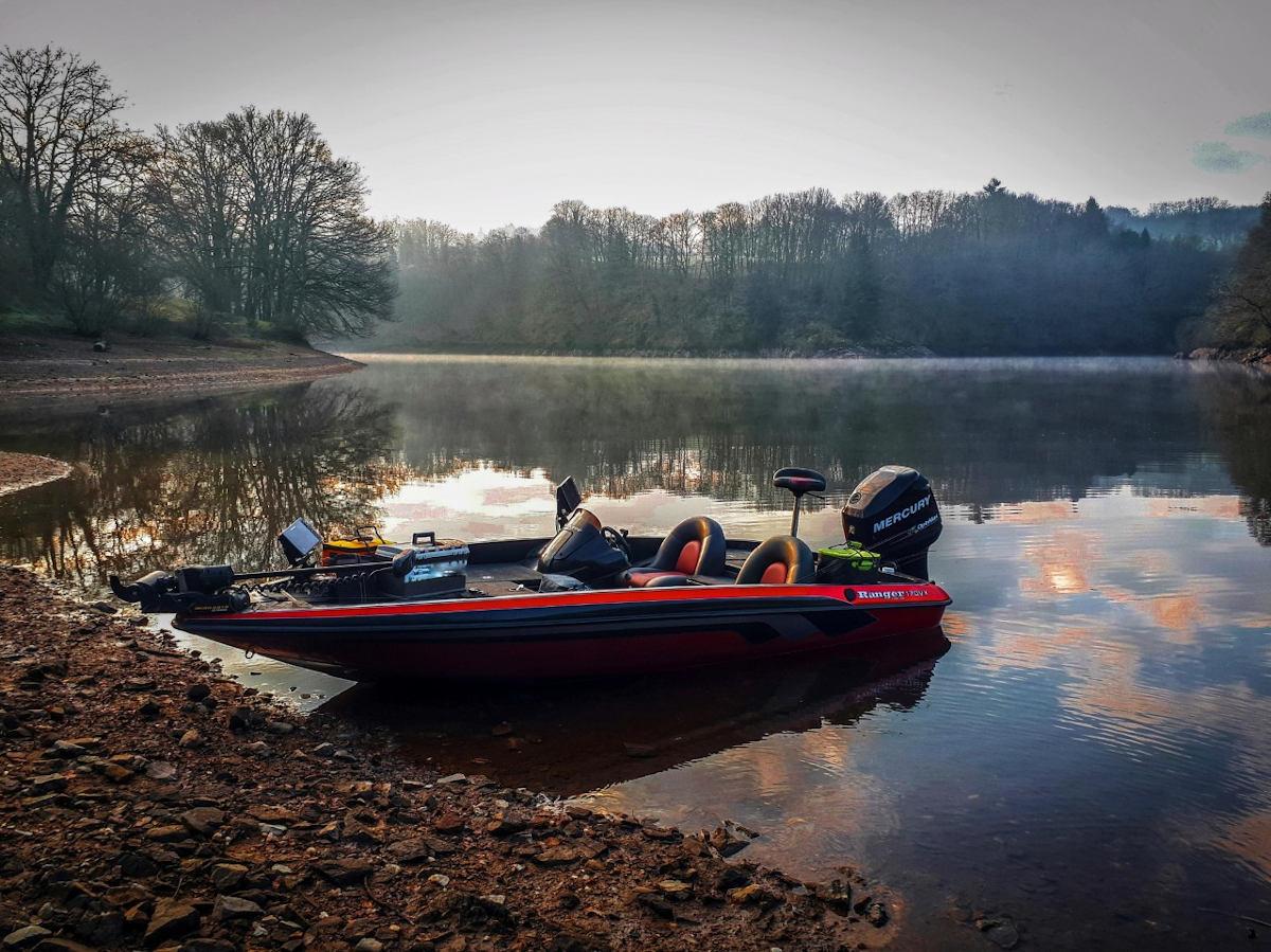 Bassboat ranger 170vx